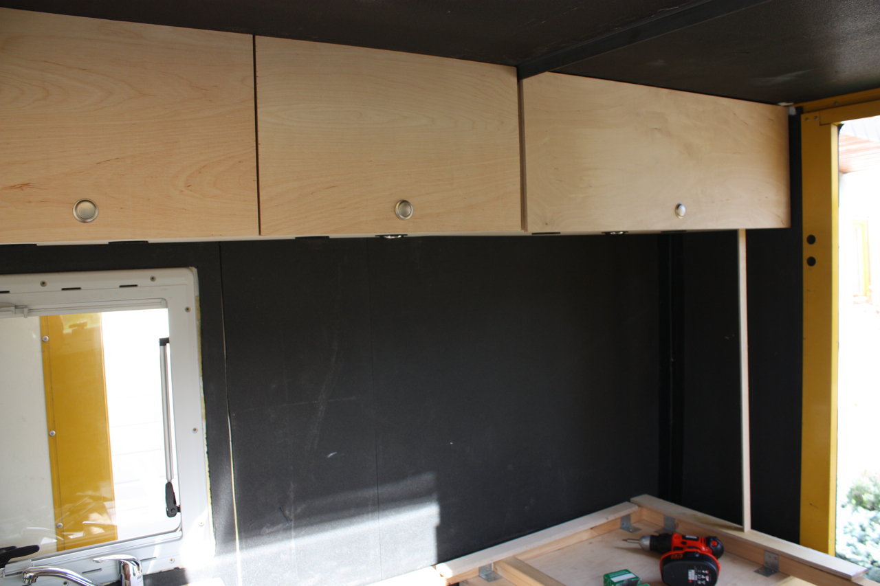badt r. Black Bedroom Furniture Sets. Home Design Ideas